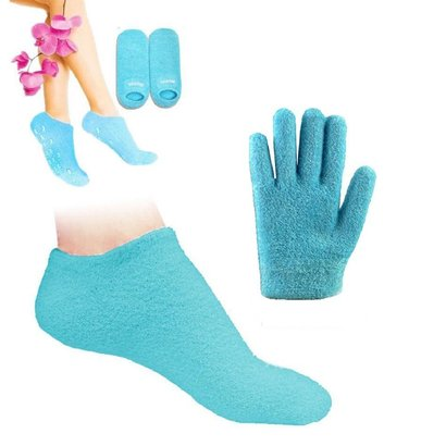 pinkiou spa gel cotton socks and gel gloves with added natural essential oils moisturise and soften skin on hands and feet